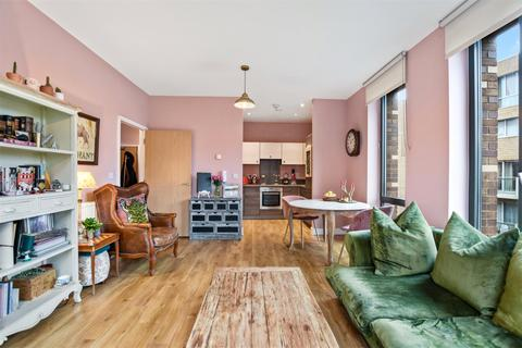 2 bedroom apartment for sale - Nelson's Walk, Bromley-By-Bow, London, E3