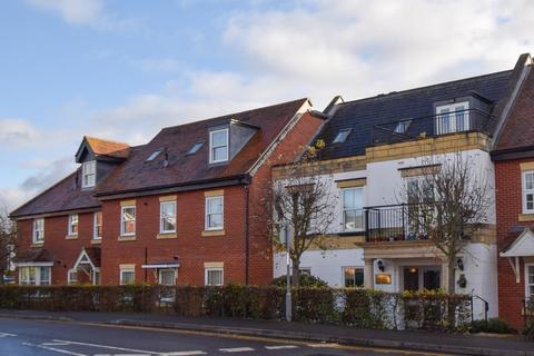 2 bedroom flat for sale - Penn House, Jennery Lane, Burnham, SL1