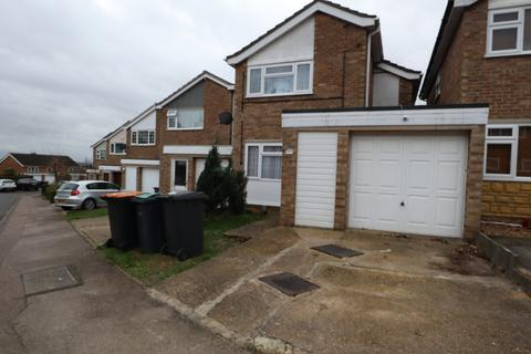 3 bedroom terraced house to rent - Wedgewood Road, Bedford, Bedfordshire, MK41