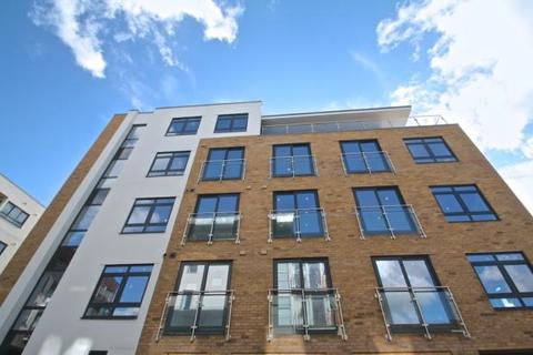 1 bedroom flat to rent - Mantle Road, London, SE4