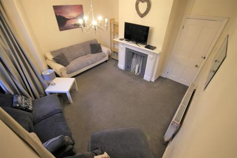 4 bedroom terraced house to rent - Beechwood Grove, burley,  LEEDS ,LS4 2LT