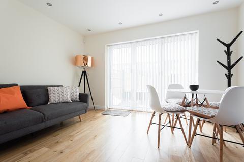 2 bedroom apartment to rent - Portland Street,  London, SE17