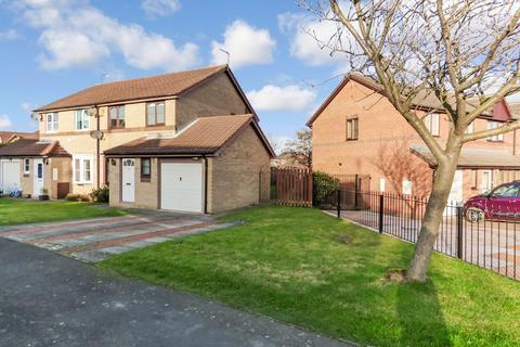3 bedroom semi-detached house to rent - Prestbury Avenue, Cramlington, Northumberland, NE23 3TZ
