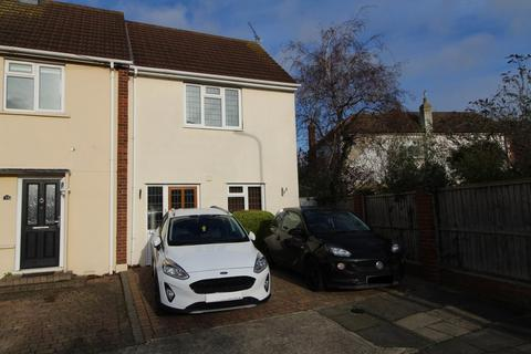 2 bedroom semi-detached house for sale - Plough Rise, Upminster, Essex, RM14