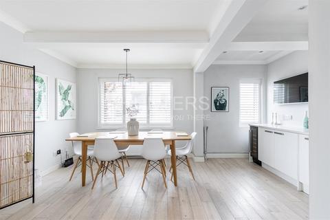 3 bedroom flat for sale - Menelik Road, London, NW2