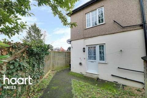 Studio for sale - Willow Tree Lane