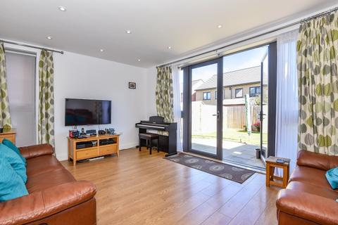 3 bedroom house to rent - Chilham Way Bromley BR2