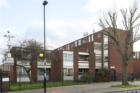 3 bedroom flat for sale - Priory Court, Brooksby's Walk, London, E9