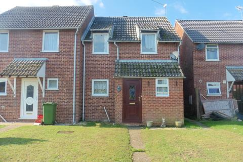 3 bedroom semi-detached house for sale - Salmons Way, Fakenham NR21