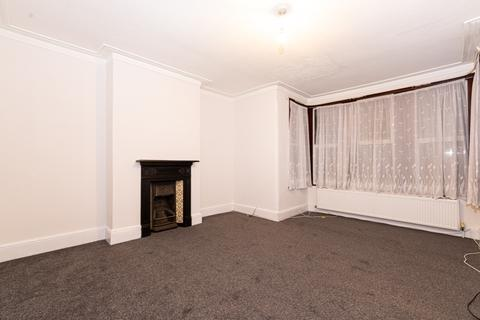 2 bedroom flat to rent - Sackvile Gardens, Ilford IG1