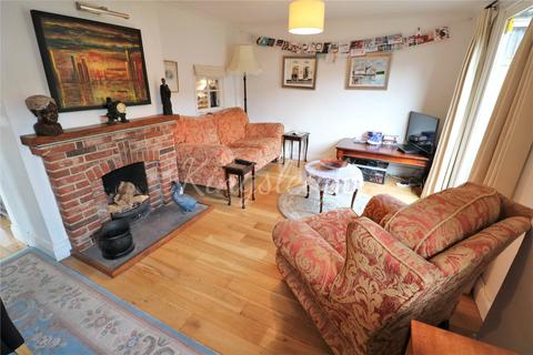 3 bedroom detached house to rent - The Green, Mistley, Manningtree, Essex, CO11