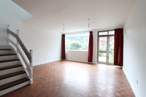 3 bedroom terraced house to rent - Hollymount Close, Greenwich