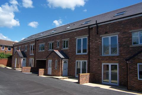 2 bedroom apartment to rent - Ballfield Fold, Kexborough