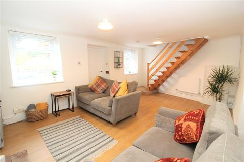 3 bedroom terraced house to rent - Cricklade Street, Swindon, Wiltshire, SN1