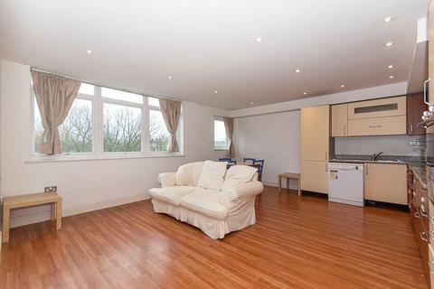 1 bedroom flat to rent - Rochelle Close, Battersea