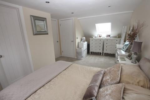 3 bedroom terraced house for sale - Bramley Place, Crayford