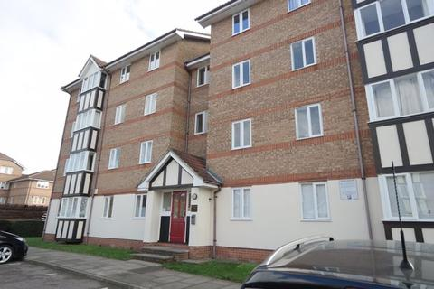 2 bedroom flat to rent - Chandlers Drive, Erith DA8