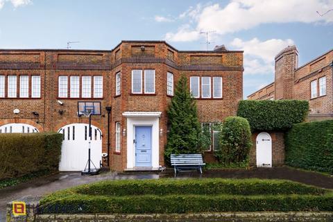 5 bedroom semi-detached house for sale - Litchfield Way, Hampstead Garden Suburb, NW11