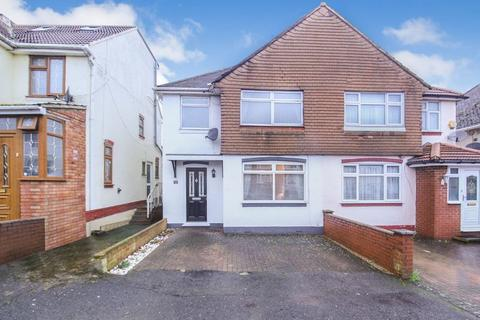 3 bedroom semi-detached house for sale - BEAUTIFUL family home on Leicester Road - close to M1, HOSPITAL AND TRAIN STATION!