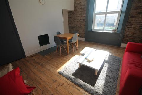 2 bedroom apartment to rent - 194 A Westgate Road, City Centre