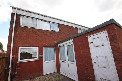 3 bedroom end of terrace house to rent - Elm Park Close, Houghton Regis, Dunstable