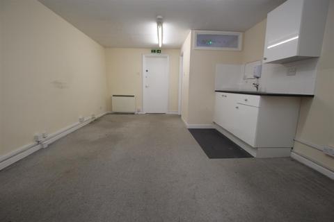 Property to rent - High Street, Leighton Buzzard