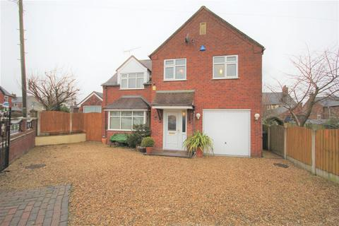 4 bedroom detached house for sale - The Avenue, Cheadle, Stoke-On-Trent