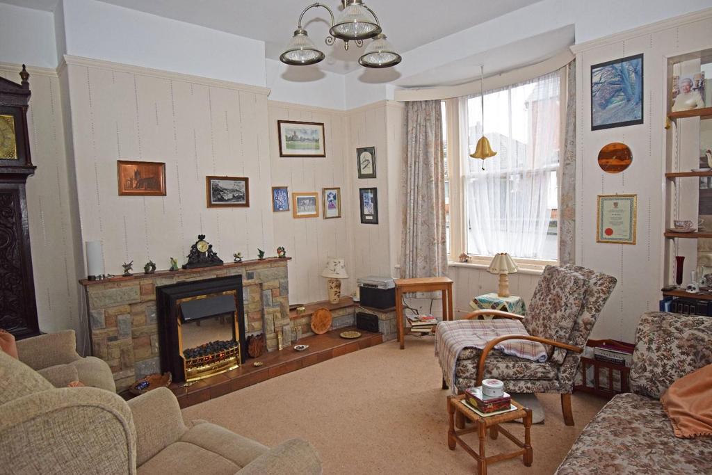 18 St Marys Road, lounge.jpg