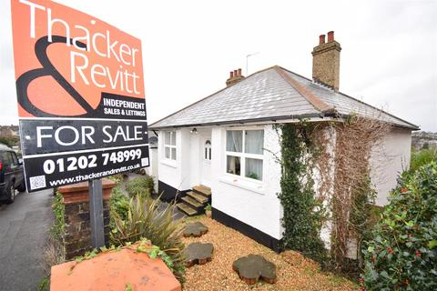 4 bedroom chalet for sale - Beaconsfield Road, Parkstone, Poole
