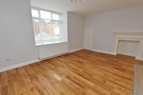 2 bedroom flat to rent - High Street, Keynsham