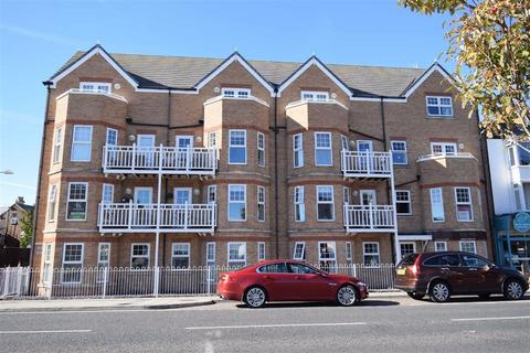 2 bedroom flat for sale - Promenade, Bridlington, East Yorkshire, YO15