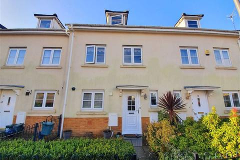3 bedroom townhouse for sale - Six Mills Avenue, Gorseinon, Swansea