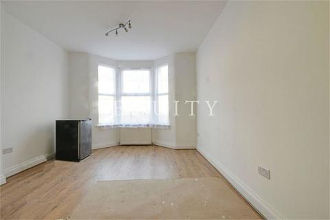 2 bedroom apartment to rent - Clarence Road, Enfield, EN3
