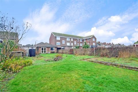 3 bedroom detached bungalow for sale - St. Nicholas Road, Littlestone, New Romney, Kent
