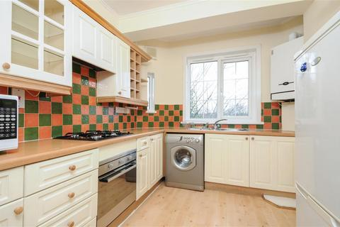 2 bedroom flat to rent - Merton Road, SW18