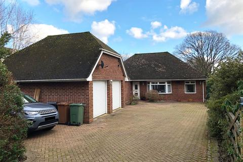 3 bedroom detached house for sale - Canada Road, West Wellow, Romsey, Hampshire, SO51