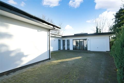 4 bedroom bungalow to rent - Ryeworth Road, Charlton Kings, Cheltenham, Gloucestershire, GL52