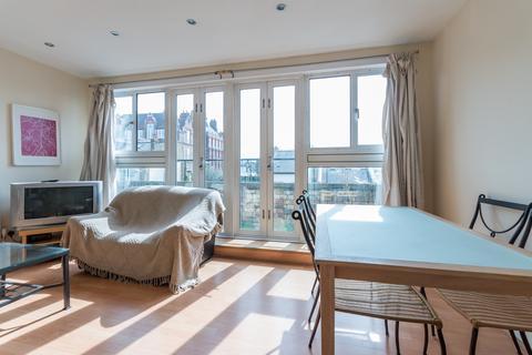 3 bedroom maisonette to rent - Chatham Road, Battersea, SW11