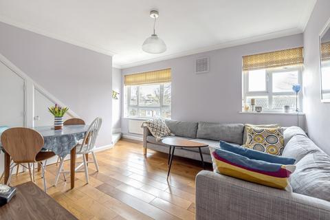3 bedroom flat for sale - Belmont Park Lewisham SE13