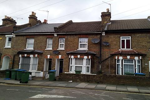 3 bedroom terraced house for sale - TROUGHTON ROAD, CHARLTON, LONDON SE7