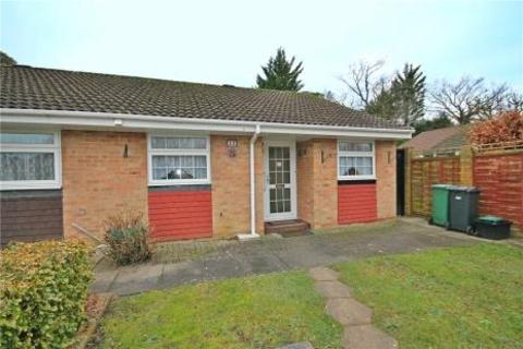 2 bedroom bungalow for sale - Royal Drive, Epsom