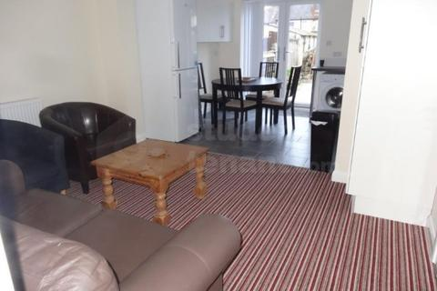 4 bedroom house share - Sir Henry Parkes Road