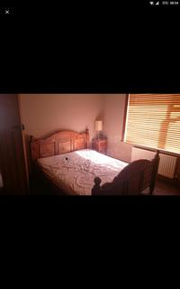 4 bedroom house share to rent - Ensbury Park Road