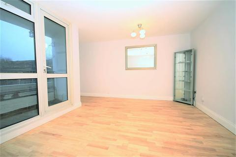 3 bedroom flat to rent - Gough Walk, London, E14 6HR