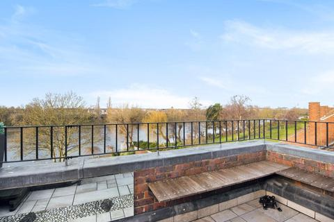 3 bedroom terraced house for sale - Chiswick Quay, Chiswick