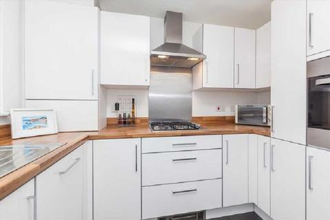 3 bedroom terraced house for sale - Percy Road, London, Greater London. E11