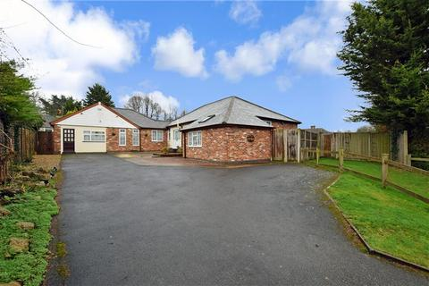 5 bedroom detached bungalow for sale - Old Lain, Harrietsham, Maidstone, Kent