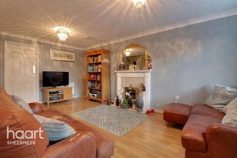 3 bedroom detached house for sale - Harebell Close, Sheerness