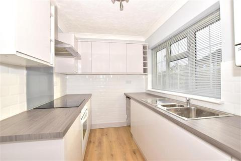 3 bedroom semi-detached house for sale - Minster Road, Minster On Sea, Sheerness, Kent