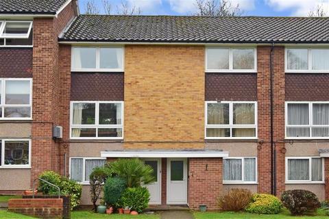 2 bedroom ground floor maisonette for sale - Basinghall Gardens, Sutton, Surrey